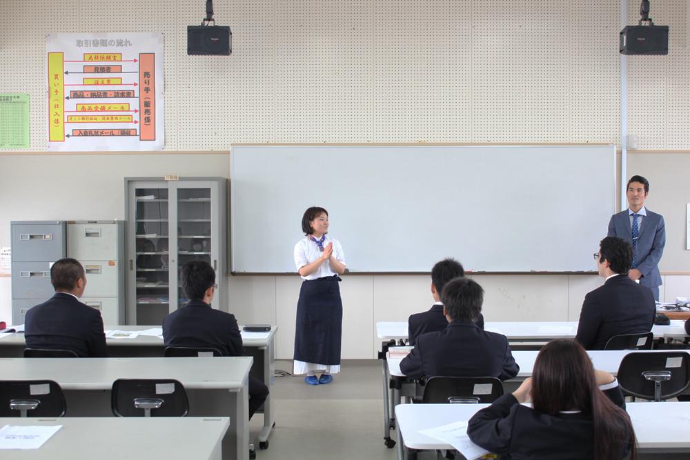 松永さん、新垣2ショット(広め)